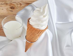 ウチカフェ 濃厚ミルクワッフルコーン~ジャージー牛乳使用 180ml