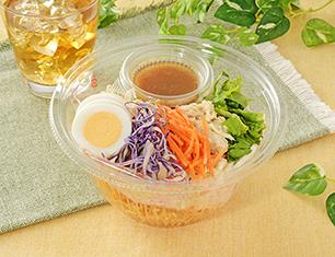 まぜて食べるパリパリ麺のサラダ