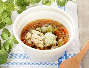 鶏ささみと6種野菜のもち麦スープ