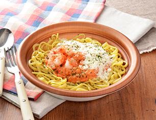濃厚チーズと海老のトマトクリームパスタ