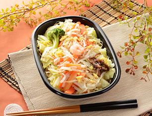 1/2日分の野菜が摂れる 春キャベツの焼ビーフン