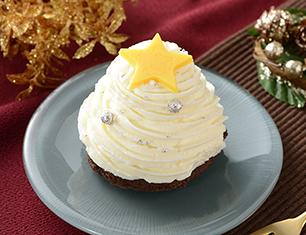 白いクリスマスツリーのケーキ