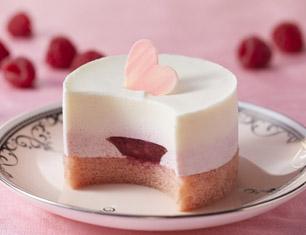 ホワイトチョコレート&ベリーのケーキ