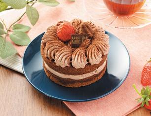 苺のミニホールチョコケーキ