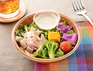 緑黄色野菜ときのこのサラダ