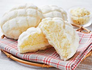白いメロンパン 北海道産生クリーム使用