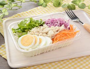 玉子と蒸し鶏のサラダ