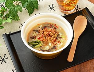 こんにゃく麺の胡麻担々スープ
