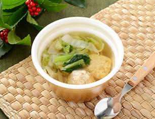 鶏団子と野菜の和風スープ