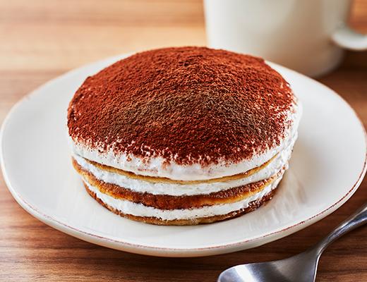 ローソンの『ティラミス仕立てのクリームパンケーキ』