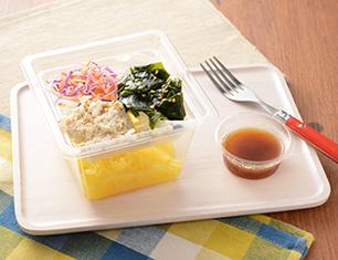 湯葉と鶏ささみのこんにゃく麺サラダ
