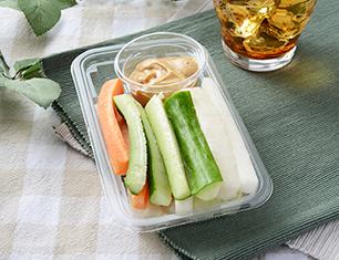 野菜スティック(ラー油入り味噌マヨ)
