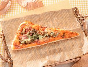 もっちり食感の三角ピザパン(舞茸&ベーコン)