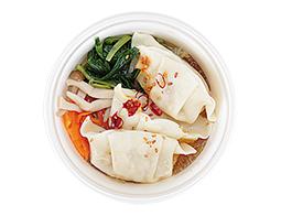 餃子と野菜の和風スープ