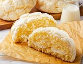 白いメロンパン ホイップクリーム