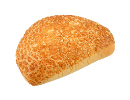角ぎりチーズとハムのパン(チーズ入りマヨネーズソース)